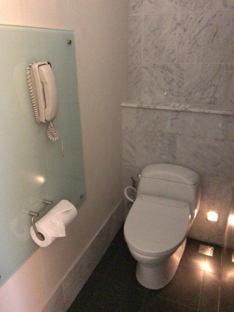 ヒルトンクアラルンプール・エグゼクティブルームトイレ