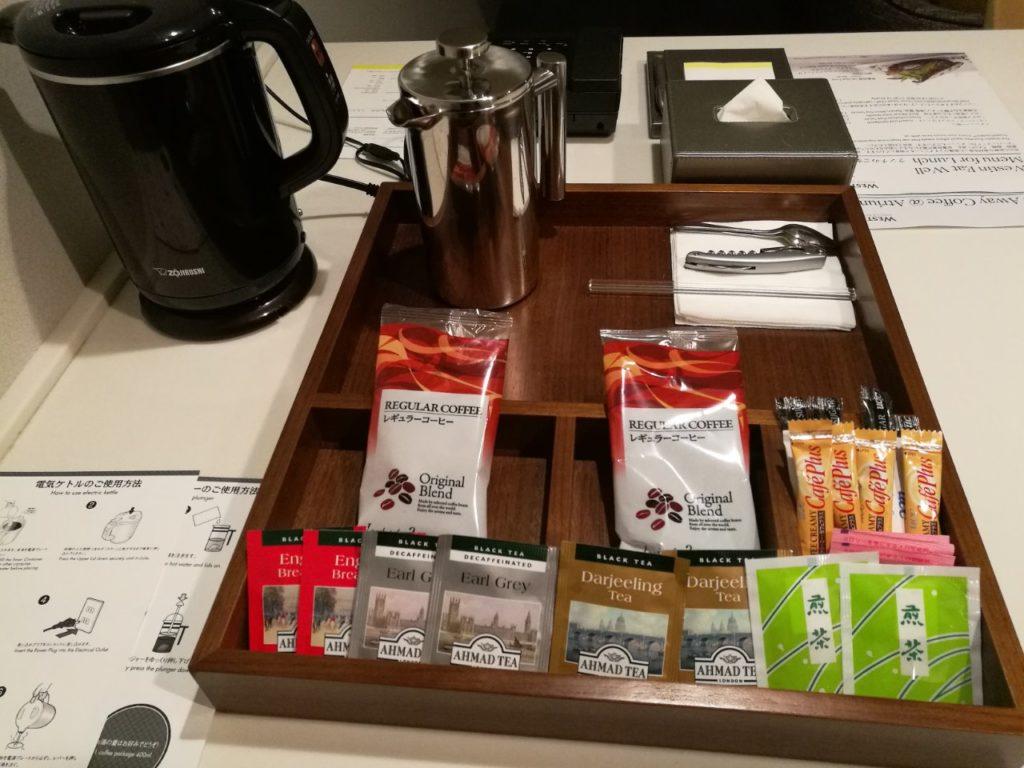 バーカウンター レギュラーコーヒーなど。