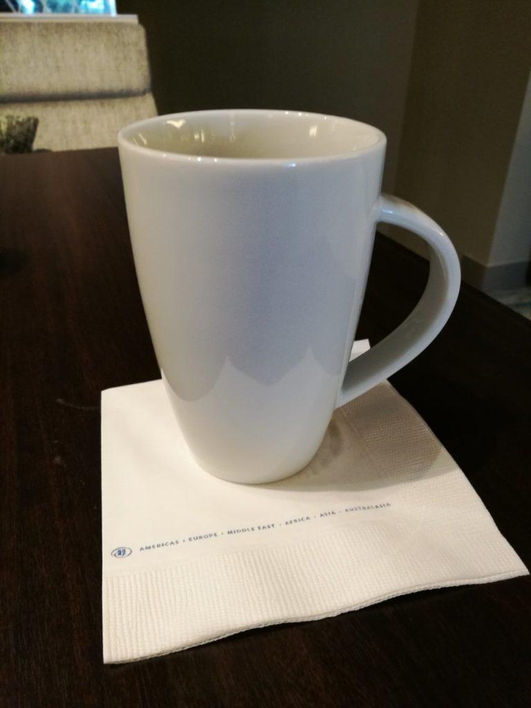 ラウンジでコーヒータイム