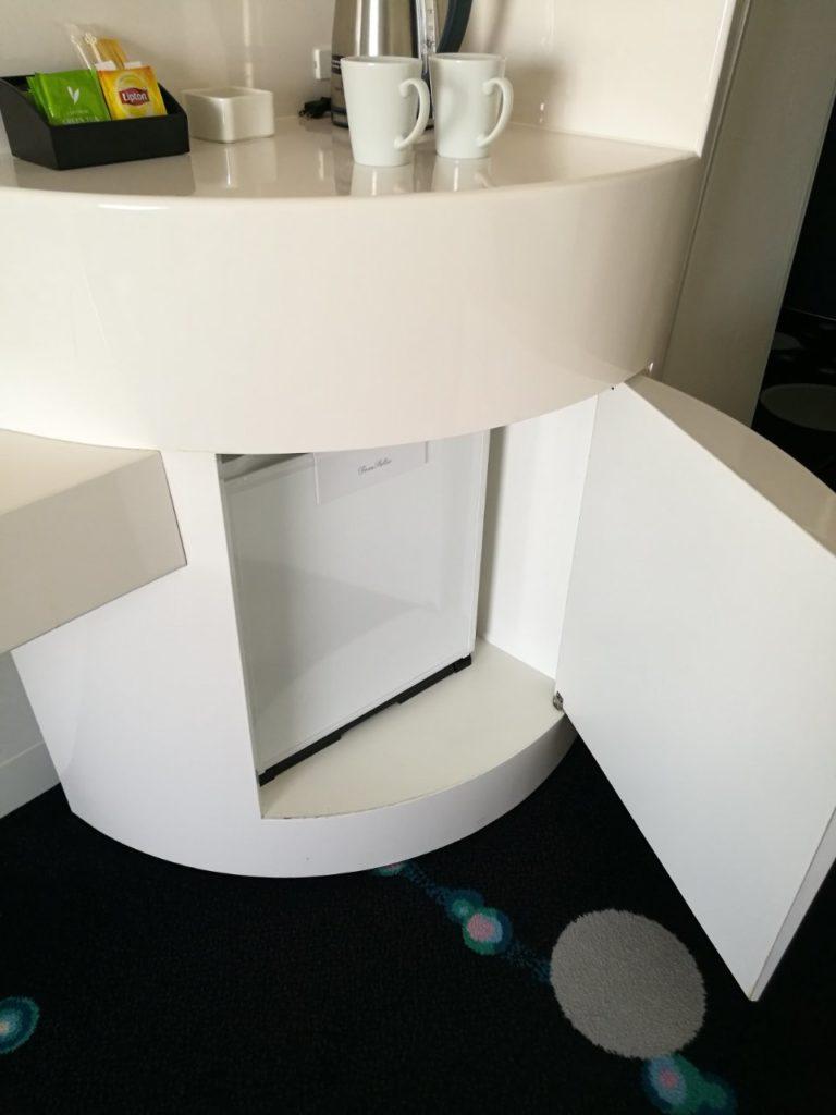 1045号室 セレブリオ ツインルーム パークビュー 冷蔵庫