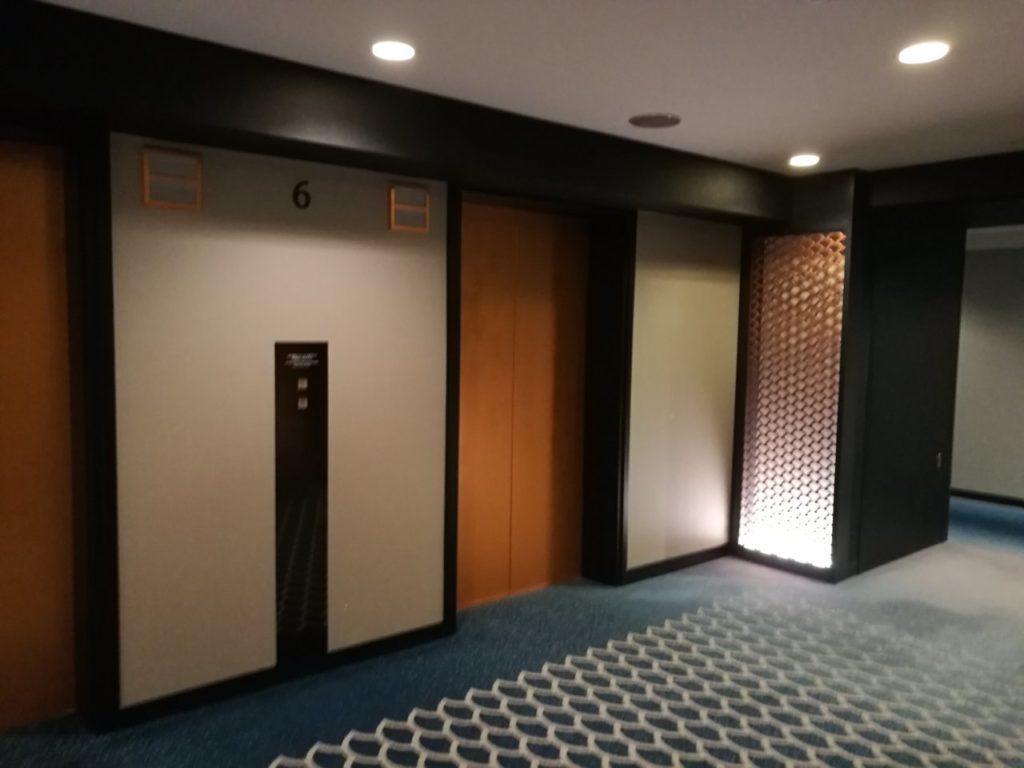 ヒルトンルーム階エレベベーターホール2