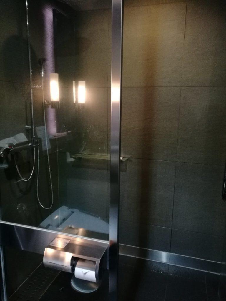 ANAラウンジシャワー室2
