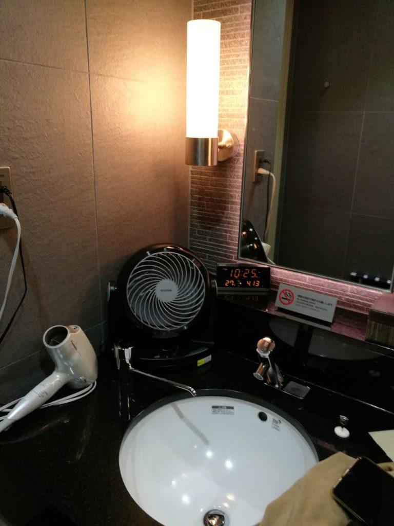 ANAラウンジシャワー室1