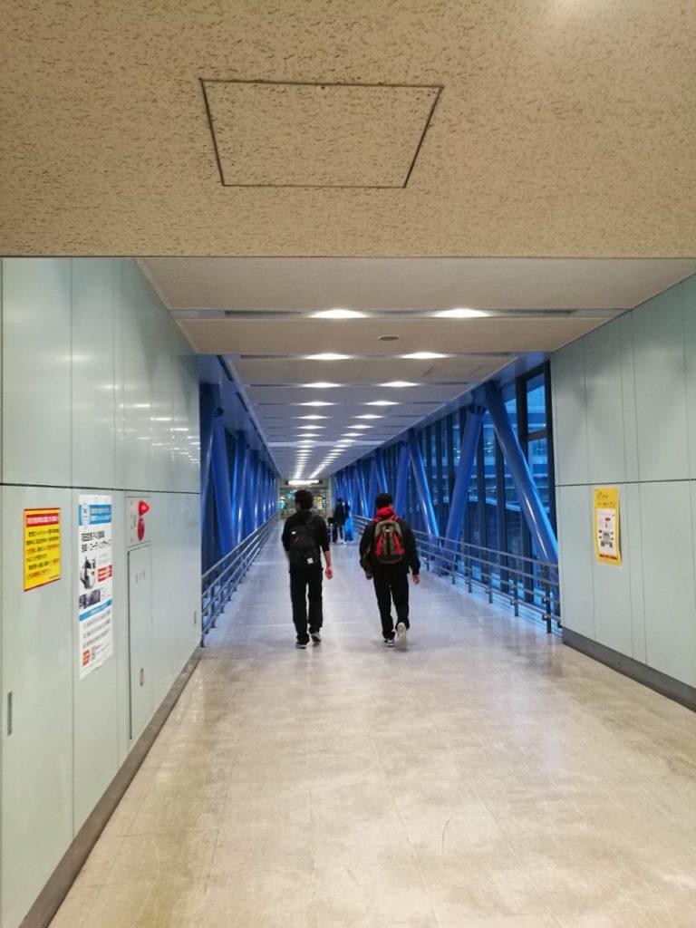 羽田空港駐車場連絡通路