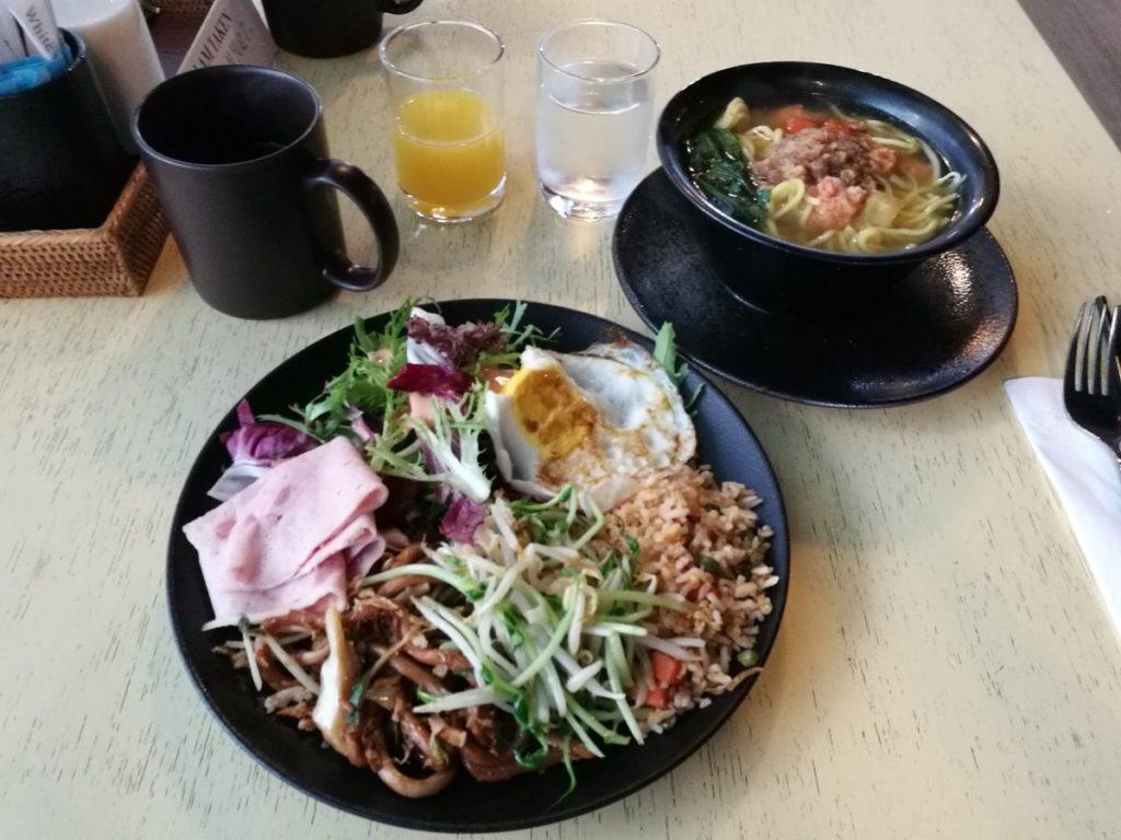 到着時も朝食頂いちゃいました。