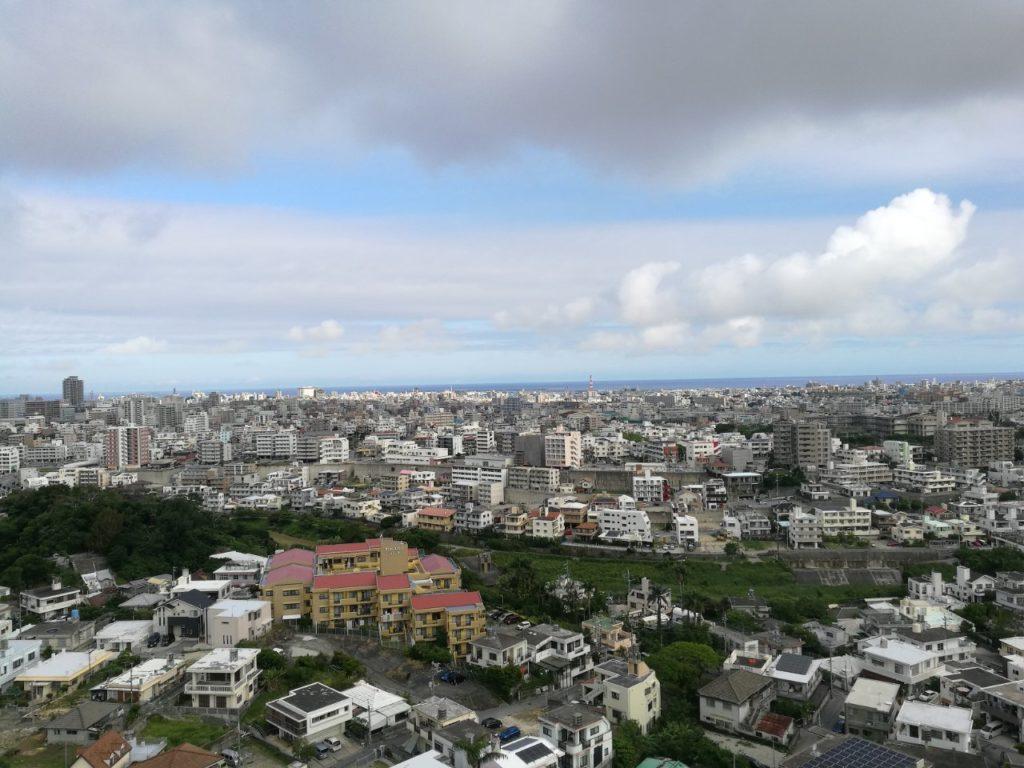 ダブルツリー那覇首里城部屋からの景色