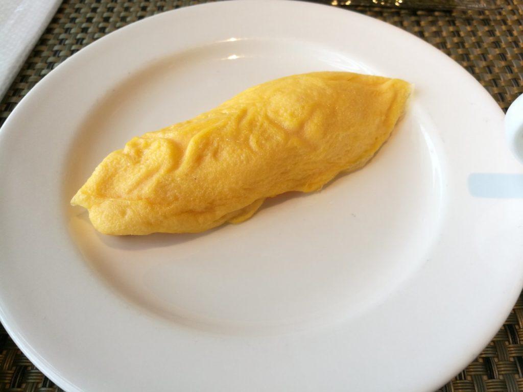 朝食 オムレツ