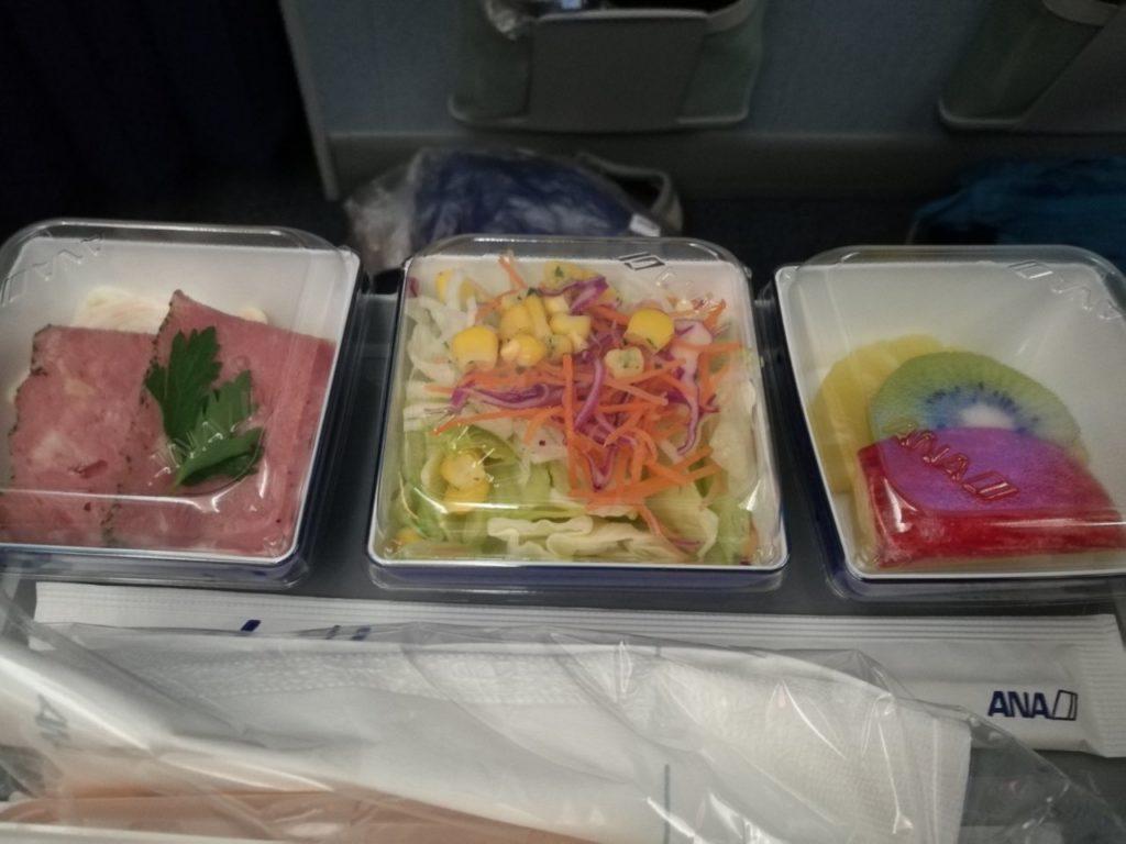 プレミアムエコノミー機内食2