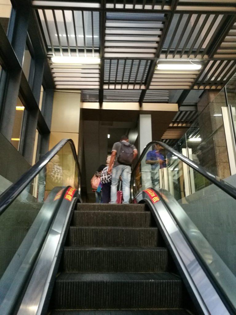 KLセントラル駅バスターミナル12