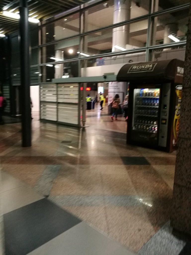 KLセントラル駅バスターミナル13