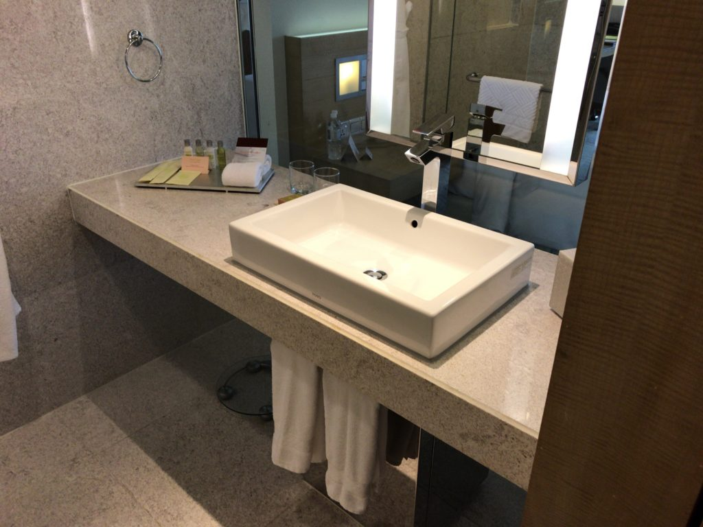1キングベッドエグゼクティブルーム洗面所
