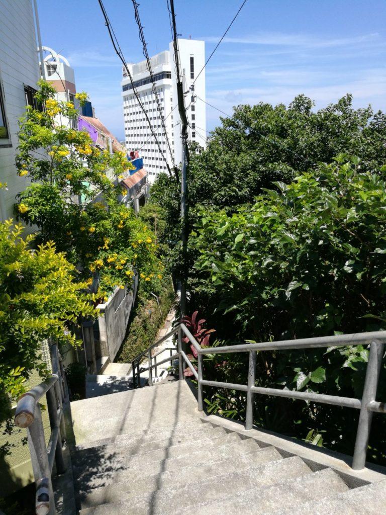 ホテル近道坂道1