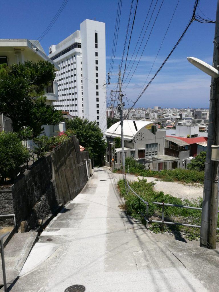 ホテル近道坂道2