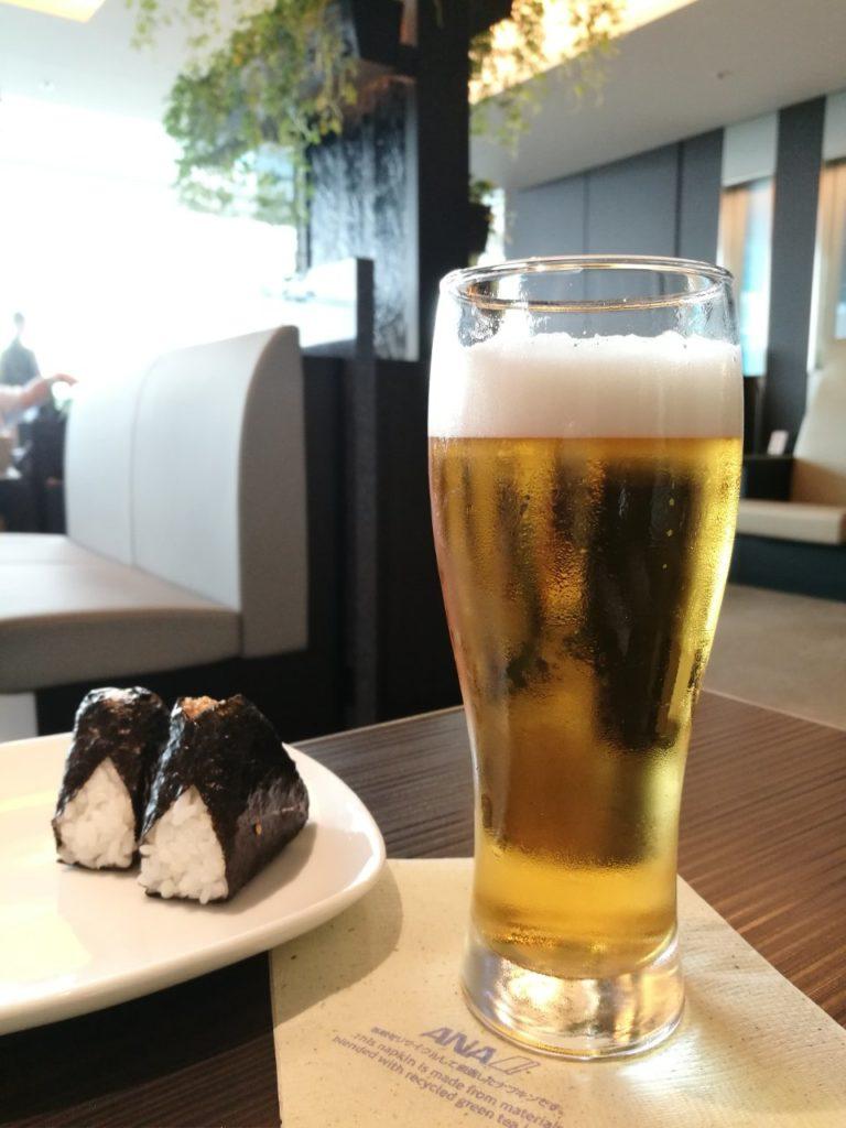 ANAスイートラウンジビール2