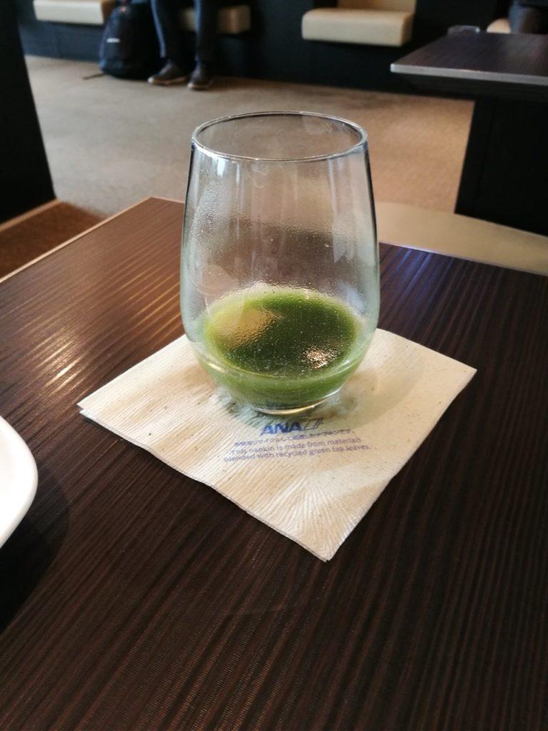 ANAスイートラウンジ青汁