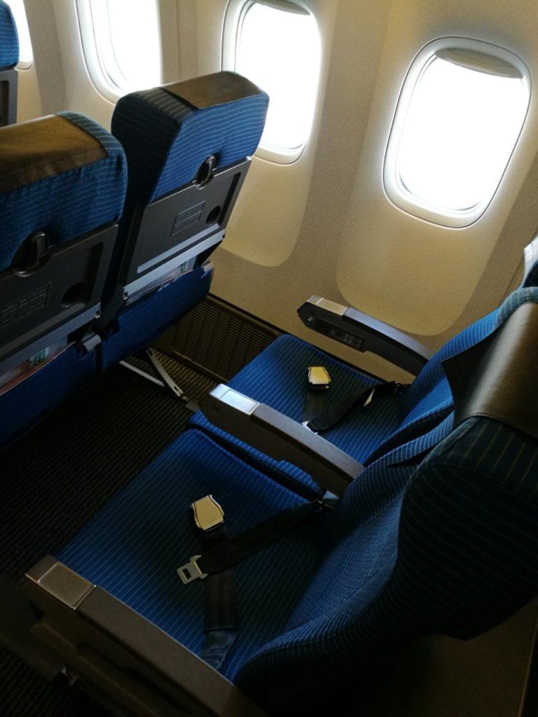 機内エコノミー席2