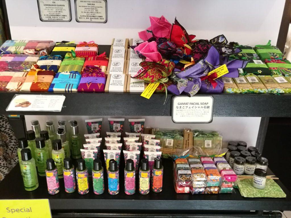 セントラルマーケットなまこ石鹸店4