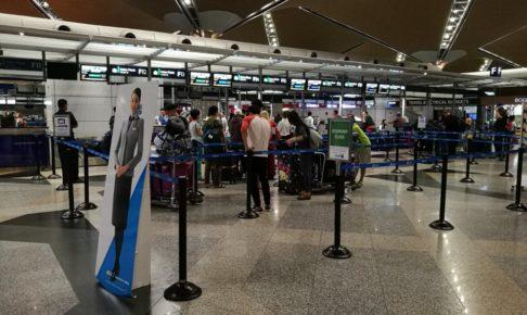 早朝のクアラルンプール国際空港1