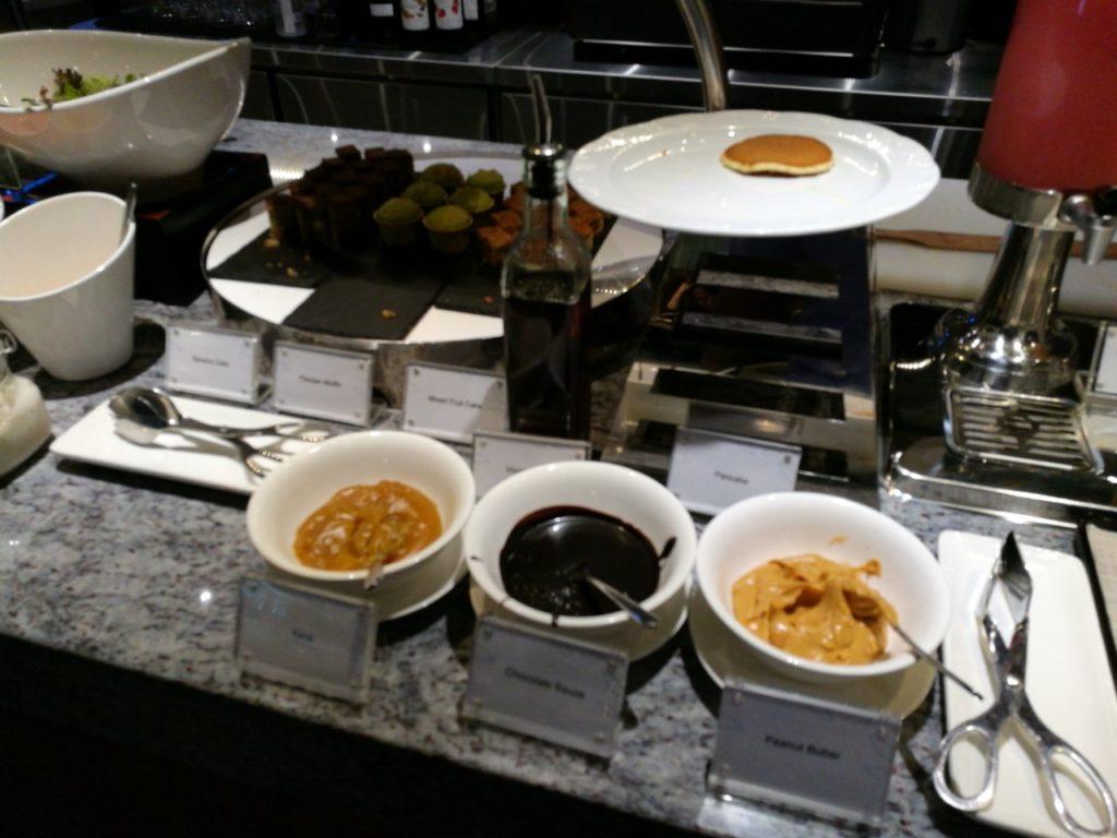 KLIA2プラザプレミアムラウンジ食事案内