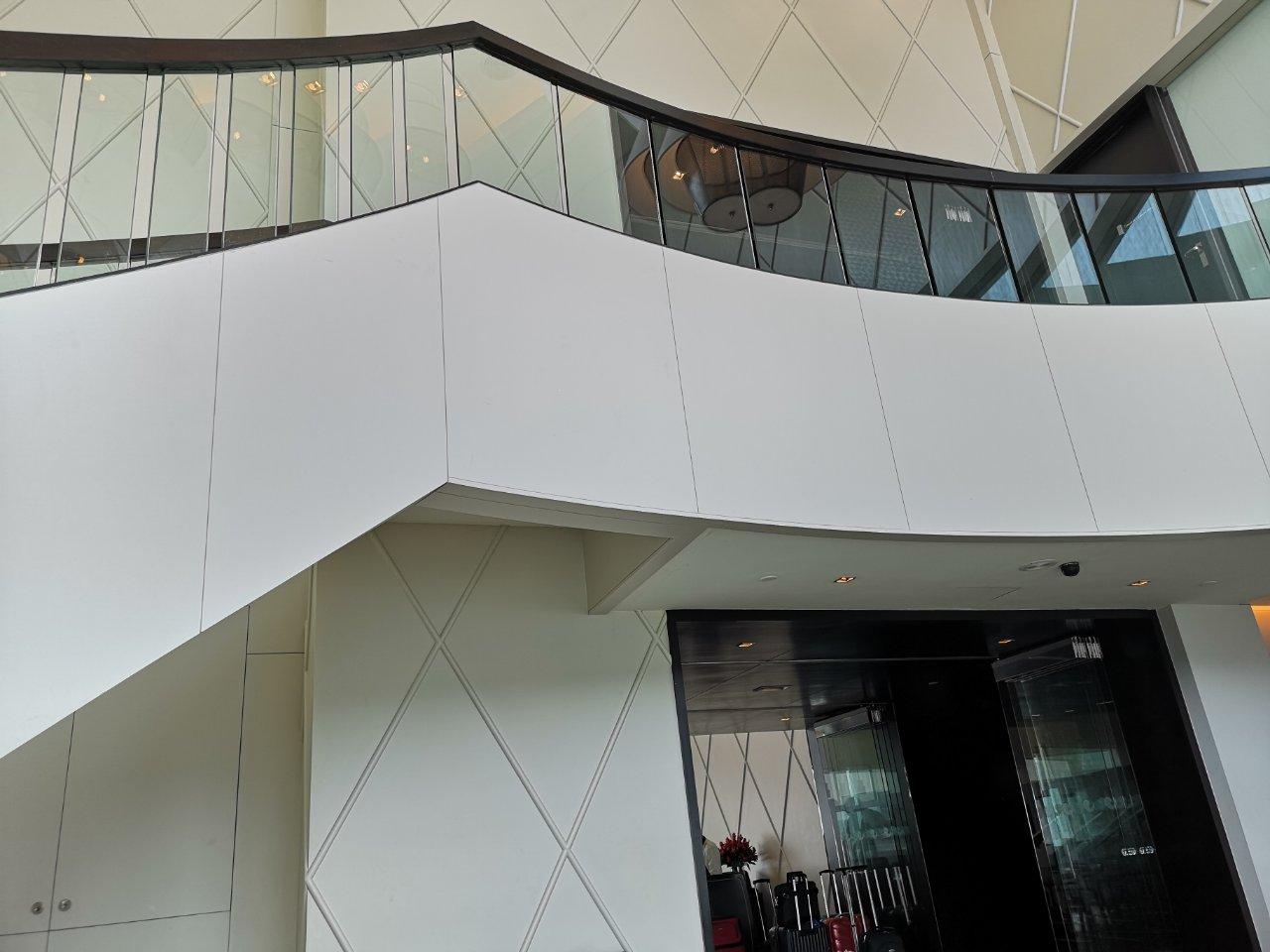 ヒルトンクアラルンプール螺旋階段