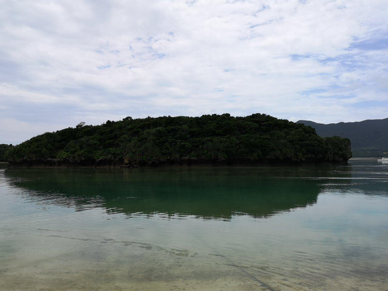 曇りの川平湾
