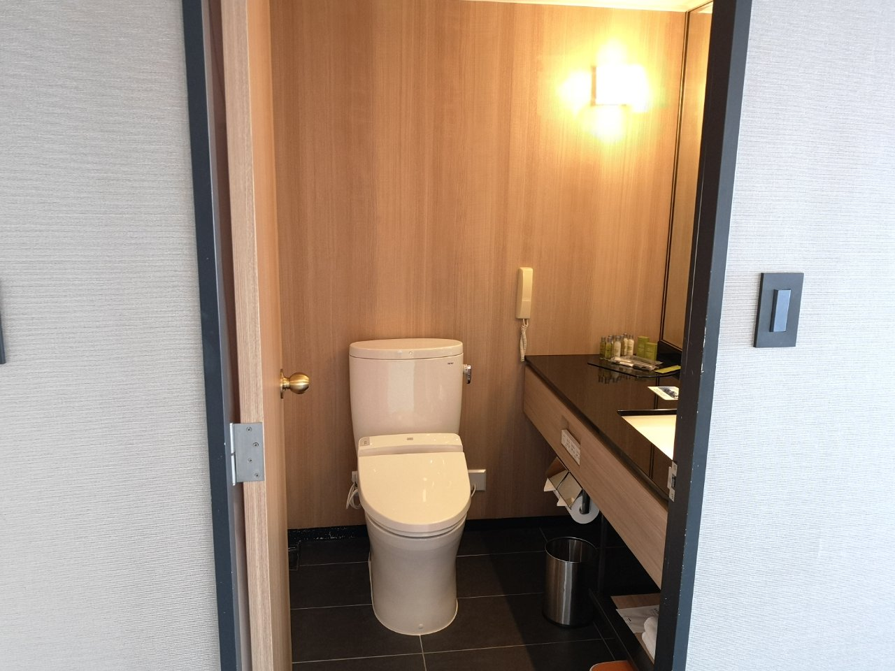 ヒルトンルーム711号室11