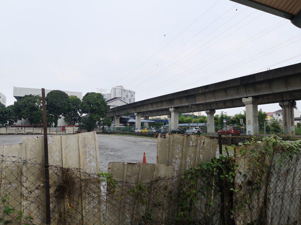 ヒルトンペタリンジャヤからアジアジャヤ駅まで15