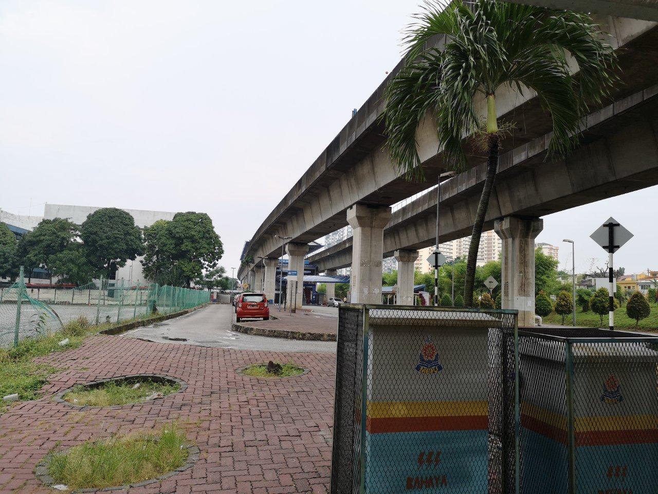 ヒルトンペタリンジャヤからアジアジャヤ駅まで16