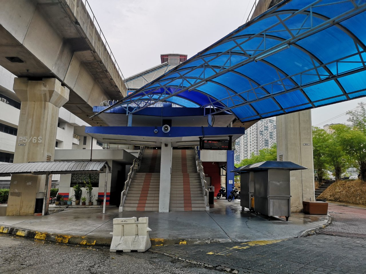 ヒルトンペタリンジャヤからアジアジャヤ駅まで17