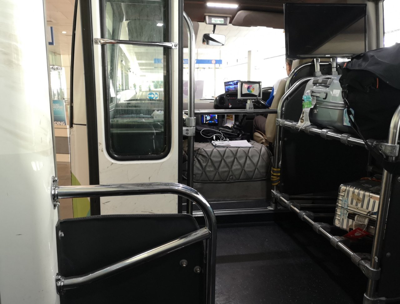 シティーシャトル(乗り合いバス)4