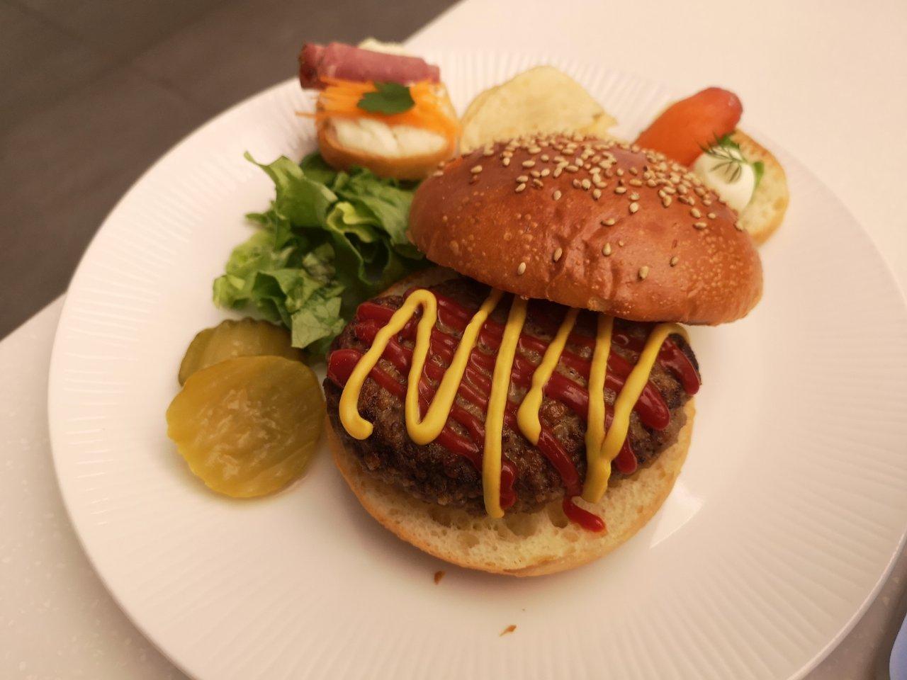 ANA特製ハンバーガー