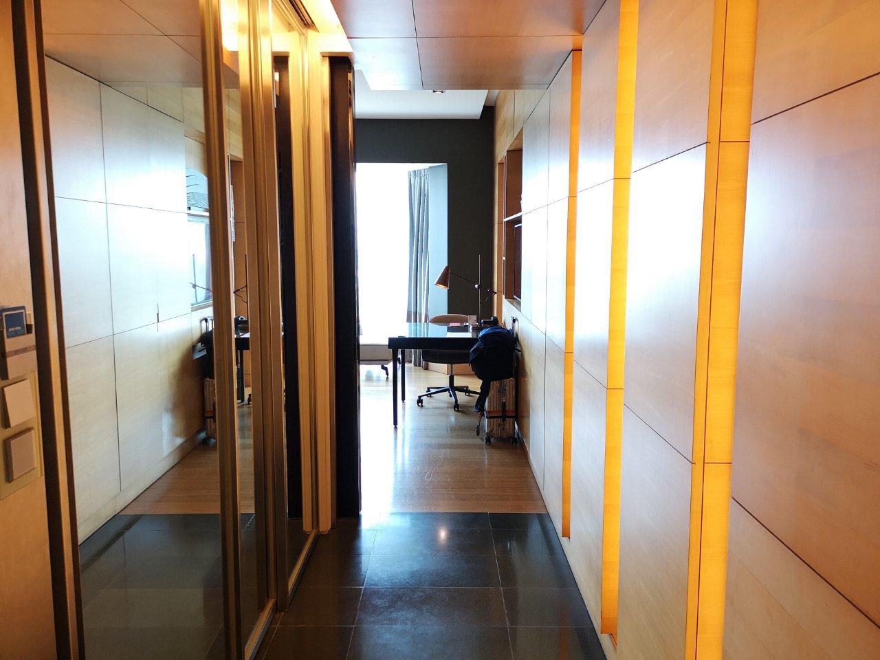 キングエグゼクティブレイクビュー2703号室2