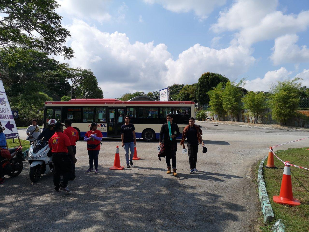 C2移動無料シャトルバス